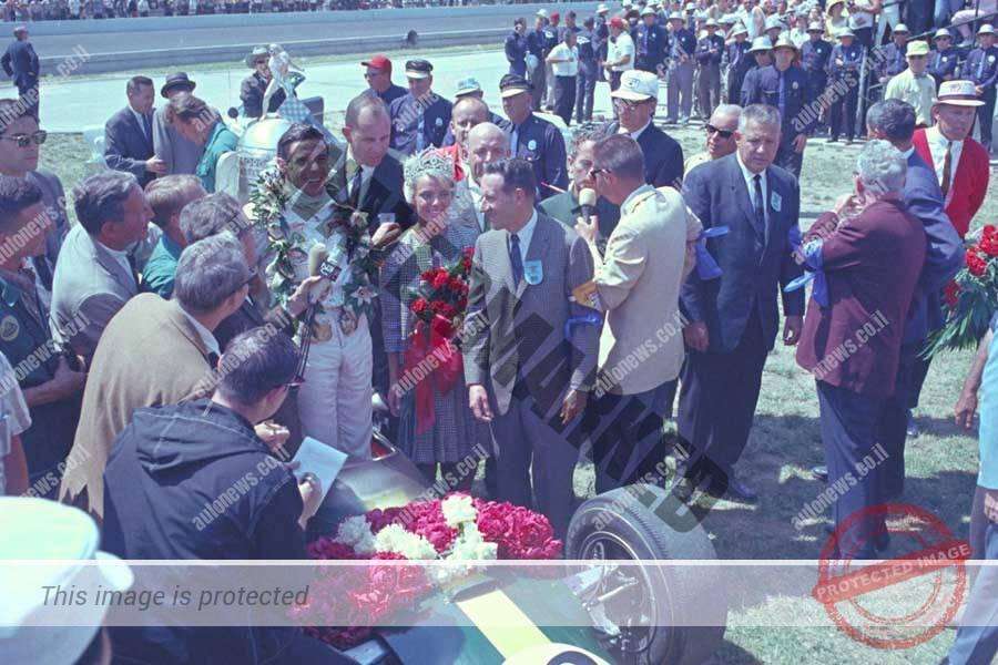 ב-1965 קלארק היה לנהג האירופי הראשון שניצח במרוץ ב-45 שנה וגם הראשון שניצח במכונית עם מנוע מרכזי (פורד(