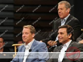 ביל פורד (משמאל), מרק פילדס (מימין) וג'ו הינריכס ביניהם בימים טובים יותר (פורד)