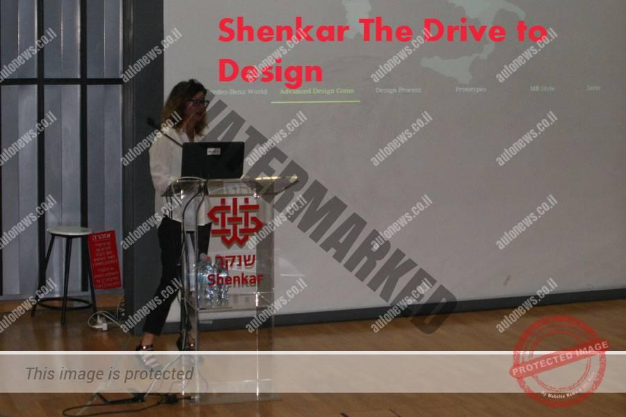 פרצנ'סקה סנגלי מרצה בכנס על עיצוב רכב במכללת שנקר (אוטוניוז)