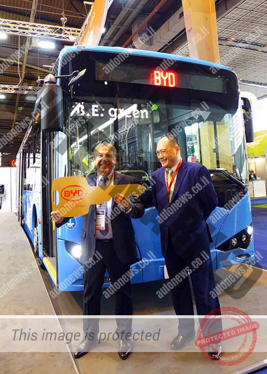 טקס העברת אוטובוס לאחת מחברות האוטובוסים שרכשו אוטובוסים חשמליים מ-BYD (יצרנית)