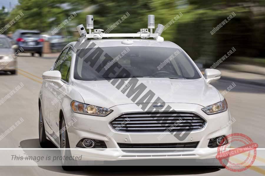 פורד פיוז'ן הייבריד מכונית מבחן עם מערכות נהיגה אוטונומית (פורד)