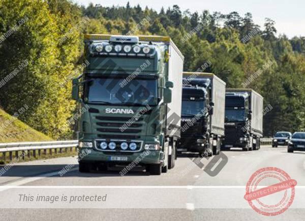משאיות סקניה בנסיעה בשיירה (סקניה)