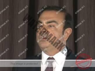 קרלוס גוהן בעת מסיבת העתונאים בה פורסם ההסכם לרכישת מניות במיצובישי (צילום מסך, ניסאן)
