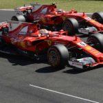 שתי מכוניות פרארי בהקפת קירור-נצחון אחרי הנצחון הכפול