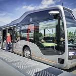 בתחנה אוטובוס העתיד של מרצדס בנץ עם מערכת CityPilot (דיימלר)