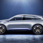 מהצד מראה של SUV ספורטיבי ל-Generation QE