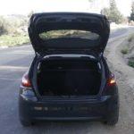 תא מטען שמגדיל את נפחו עם קיפול המושבים האחוריים