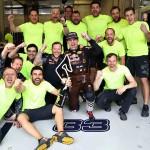 מקס ורספטאן והצוות חוגגים את המקום השני (Getty Images/Red Bull Contentpool)