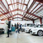 מתקן של החברה להתאמת המכשיר למכוניות ניסוי