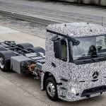 מרצדס Urban eTruck, משאית הפצה במשקל 26 טון עם שלושה צירים מוצגת לראשונה (דיימלר)